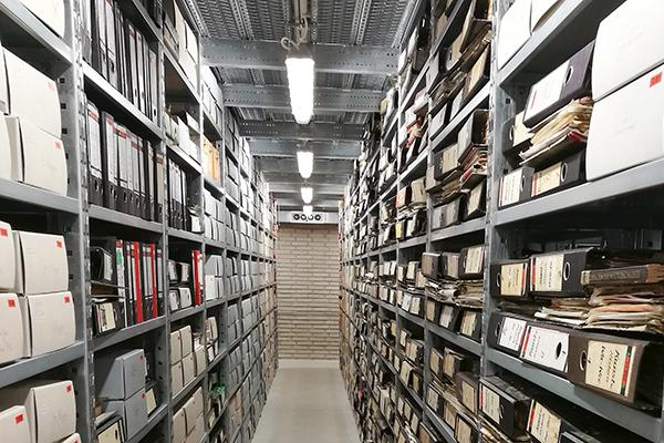 Angekommen: Archivbestände im neue Magazin in Moers-Meerbeck.