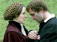 Luther (Joseph Fiennes) und seine Frau Katharina von Bora (Claire Cox)