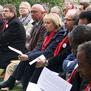 Ministerpräsidentin und Kirchenspitzen beim Pfingstgottesdienst.
