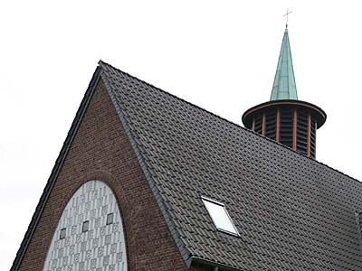 Die evangelische Kirche in Moers-Scherpenberg.