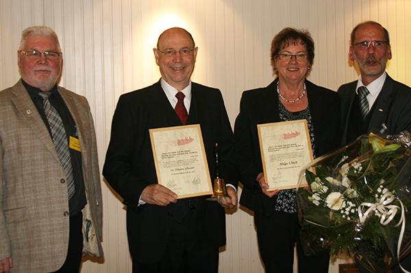 Ehrung: Robert Blech (v.l.), Geschäftsführer arkk, Nikolaus Schneider, Helga Ulrich und Manfred Heller, Vorsitzender arkk.