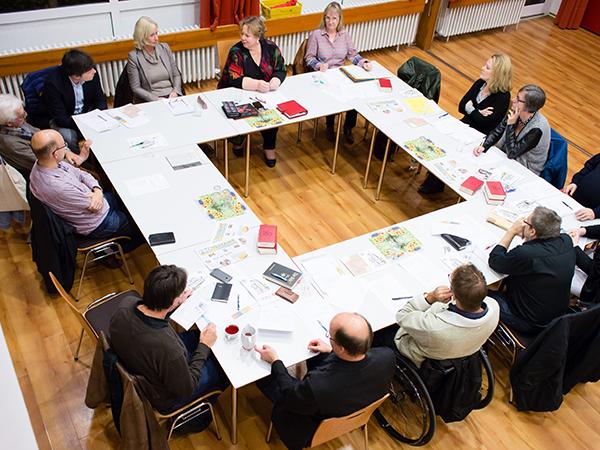 Lutherkirchengemeinde Bonn: Sitzung eines rheinischen Presbyteriums.