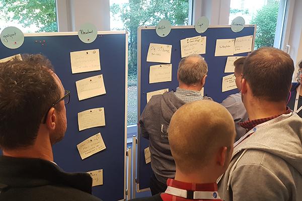 Session-Planung beim Barcamp Kirche Online im vergangenen Jahr in Köln.