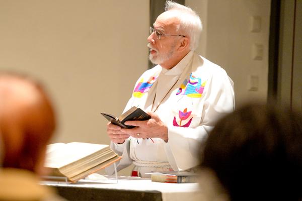 Pastor Larry Smith in seinem Austauschjahr alles gemacht, was ein rheinischer Gemeindepfarrer auch macht.