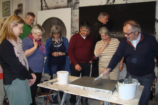 Beim Fortbildungsansgebot 'Kulturführerschein' lernen die Teilnehmenden mit kreativen Methoden, wie sie Kulturarbeit in ihre Gemeinde bringen.