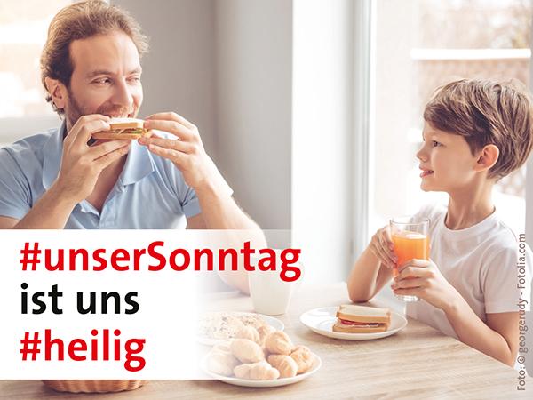 Vater und Sohn beim Frühstück