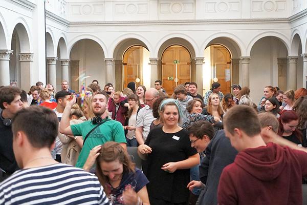 Event für Freiwillige in der Kölner Trinitatiskirche. Foto: Diakonie RWL / Christian Carls