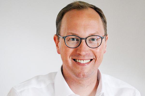 Christoph Urban ist Journalist und rheinischer Pfarrer. Seine Doktorarbeit zum Thema Fundamentalismus ist jetzt als Buch erschienen.