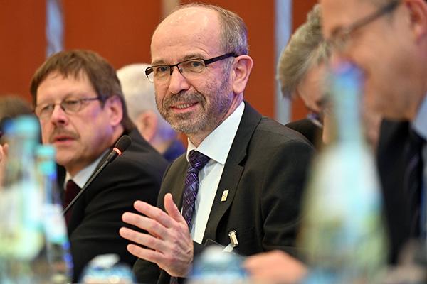 Präses Manfred Rekowski auf der Landessynode 2019