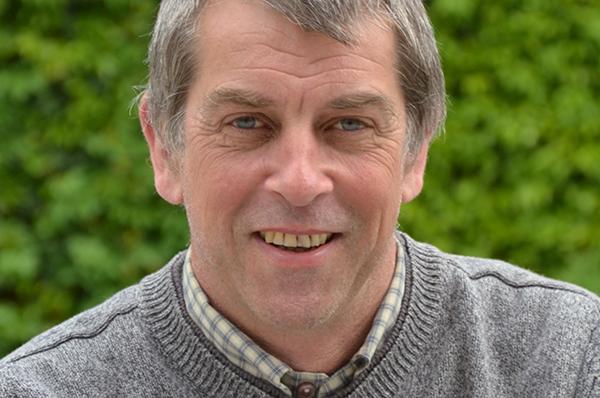 Joachim Knitter ist Pfarrer in Siegburg.