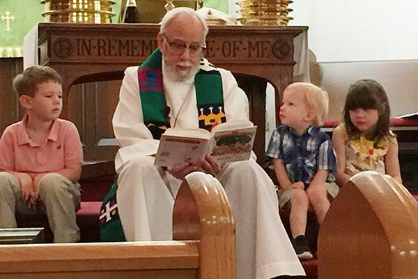 An ein normales Gemeindeleben ist für Pfarrer Larry Smith aus Pennsylvania bis auf Weiteres nicht zu denken. Seine Gemeinde hält das Kontaktverbot strikt ein.