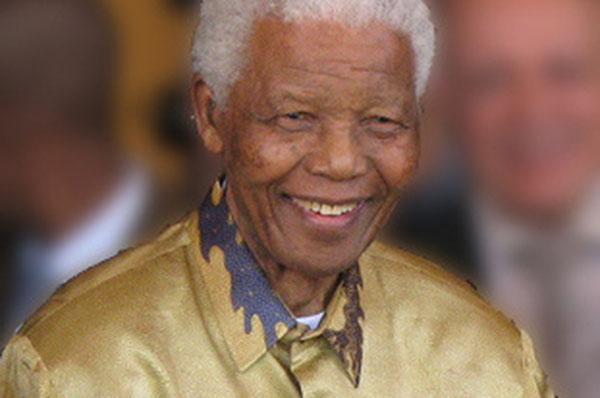 Nelson Mandela (1908-2013). Foto: commons.wikimedia.org / South Africa The Good News / www.sagoodnews.co.za