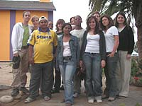 Gruppenbild in Swakopmund: die Jugendlichen aus Namibia und Düsseldorf.
