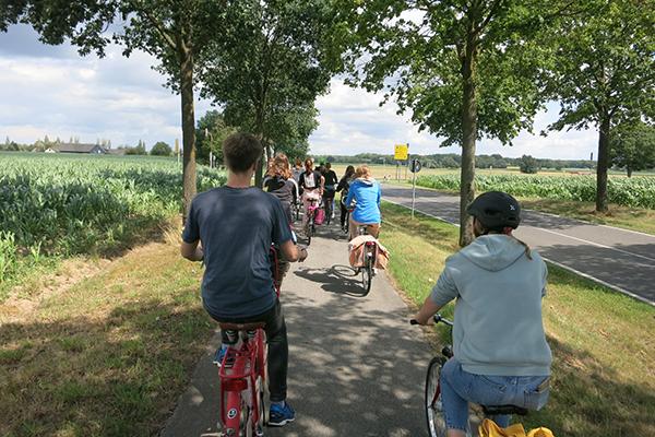 Ein Radausflug in Zeiten von Corona: Die 'Tour de Wesel' führt in sieben Tagen einmal rund um den Kirchenkreis Wesel.