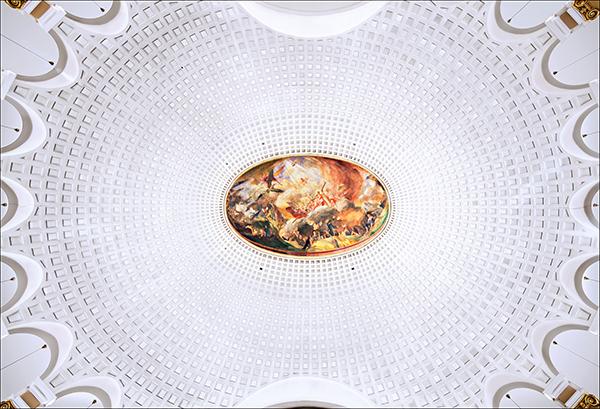 Decke der Völklinger Versöhungskirche: Per Klick auf dieses Fotos geht zum Album mit weiteren evangelischen 'Himmelsgewölben' im Saarland