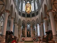 Im Altenberger Dom wird Heiligabend ein Lichtergottesdienst gefeiert.