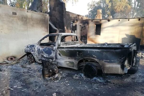 Ein Feuer hat die Kleinstadt Wupperthal in Südafrika zerstört