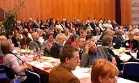 Während der Plenarsitzung zum Thema Umstrukturierung.