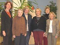 """Haben das Programm """"Gemeinsam auf dem Weg"""" vorgestellt (v.l.): Anke Kreutz (Frauenhilfe), Elisabeth Riemann (MBK), Gisela Vogel (Koordination), Renate Neubert-Hoffmann (VebF), Rosmarie Hadré (Frauenhilfe) und Ursula Pilger (MBK)."""
