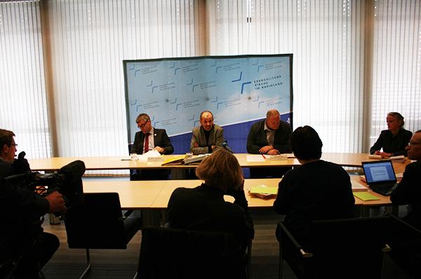 Pressekonferenz im Vorfeld der Landessynode 2014 mit Vizepräsident Dr. Johann Weusmann und Präses Manfred Rekowski.