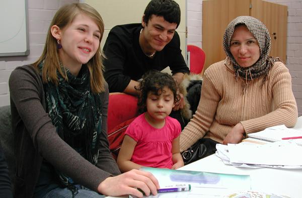 Sprachkurs für Flüchtlinge, organisiert vom Ausländerpfarramt An Nahe und Glan.