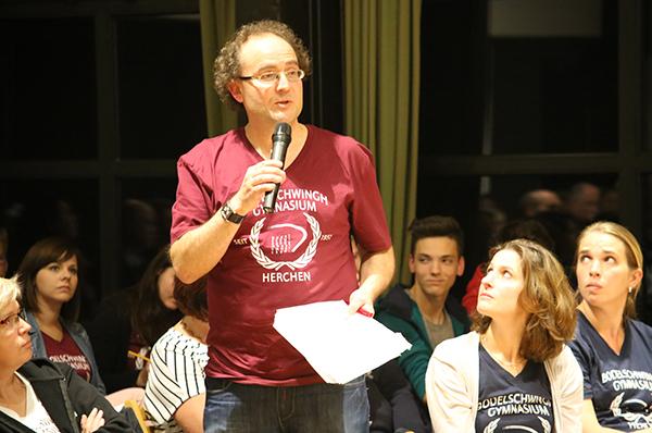 Kritik erwünscht: Nachfrage eines Lehrers des Bodelschwingh-Gymnasiums bei 'KL im Gespräch'.