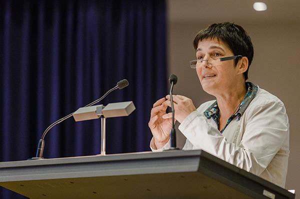 Frauenanteil in Führungspositionen in den vergangenen zehn Jahren nur marginal gestiege: NRW-Ministerin Barbara Steffens.