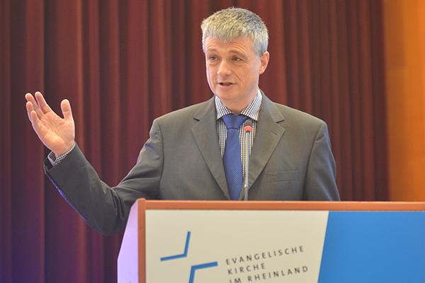 Pfarrer Dr. Gert (Ulrich Brinkmann aus Ratingen hält am Donnerstagmorgen die Andacht.
