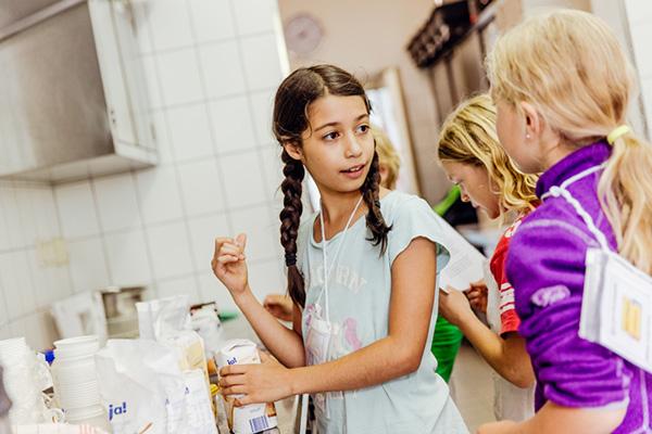Evangelische Kinder- und Jugendarbeit soll sich alle Kinder und Jugendliche richten. Ein Bespiel: Das Projekt Mini-Nippes in Köln..
