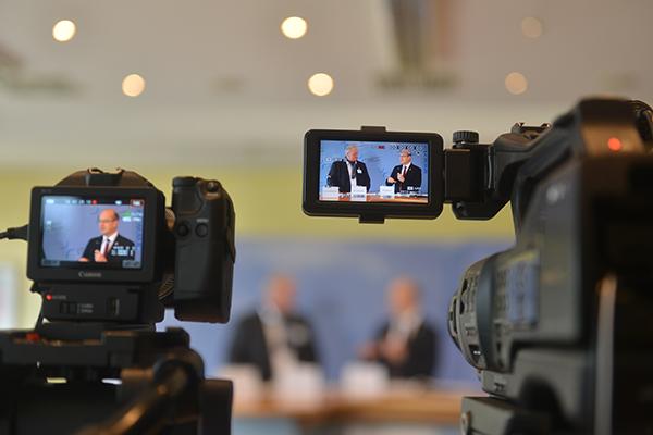 Auf der Pressekonfernez am Donnerstag informierte Bernd Baucks, Leitender Dezernent der Abteilung Finanzen über den Haushalt 2017.