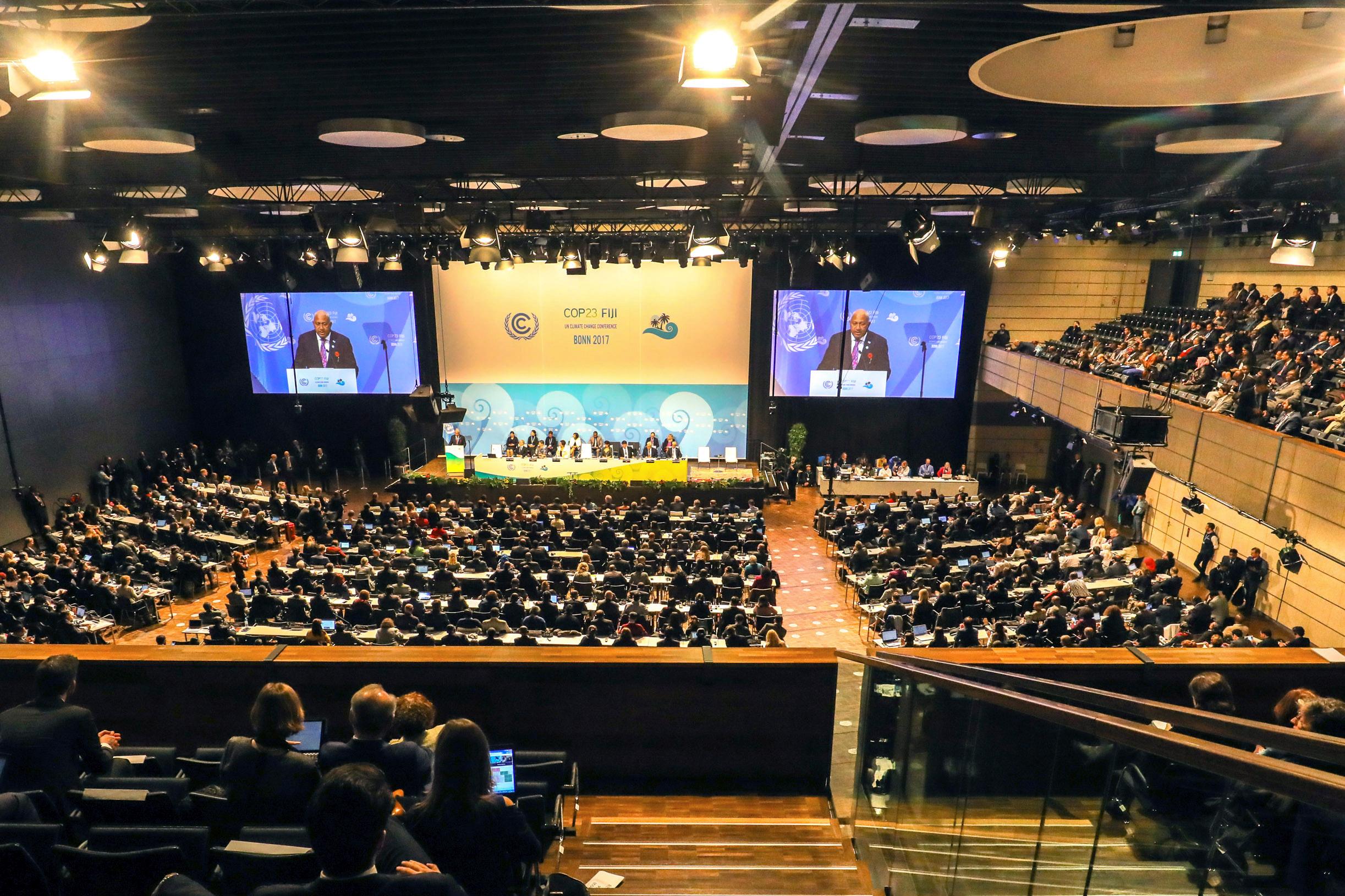 In Bonn hat die 23. Weltklimakonferenz begonnen. Die Teilnehmenden aus mehr als 190 Ländern wollen bei der UN-Konferenz bis zum 17. November über die Umsetzung des Pariser Klimaabkommens beraten.