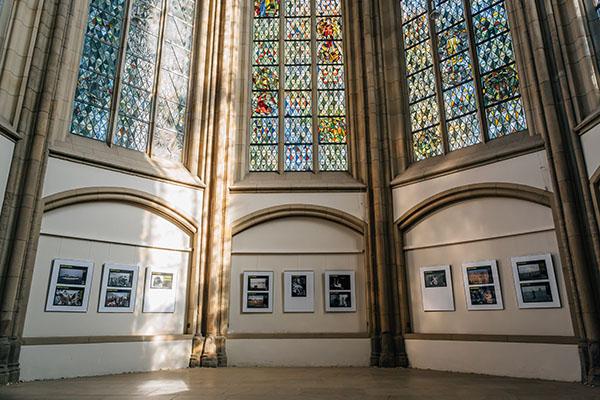 Zu sehen in der Duisburger Salvatorkirche: Fotos von Mitgliedern der Agentur Magnum.