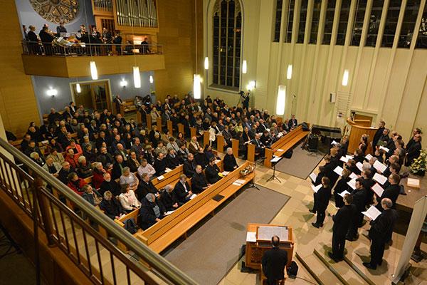 Chor der Kreiskantorinnen und -kantoren und das Bläser-Ensemble Buccinate Deo beim Konzert 500 Jahre Kirchenmusik im Spiegel der Reformation