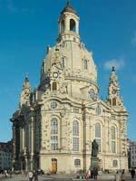 In der Dresdner Frauenkirche wird der Abschlussgottesdienst der EKD-Synode gefeiert.