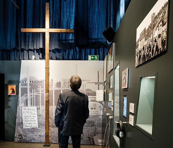 Im Haus der Geschichte der Bundesrepublik Deutschland jetzt ein Ausstellungsstück: das Hunsrücker Friedenskreuz.