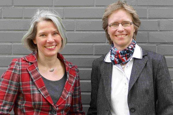 "Professorin Michaela Geiger (links) und PD Dr. Nicole Kuropka verantworten den neuen Weiterbildungsstudiengang ""Master of Theological Studies""."