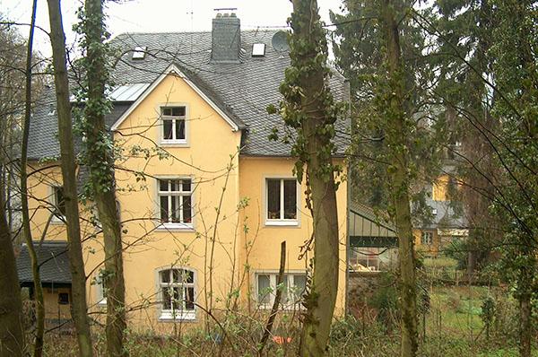 Ekir news 2015 bergisch gladbach zuflucht im alten pfarrhaus evangelische kirche im - Mobel bergisch gladbach ...