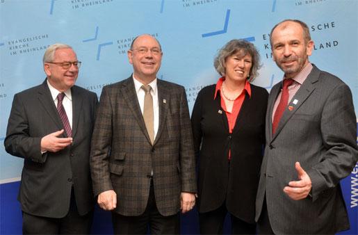 Vizepräsident Christian Drägert, Präses Nikolaus Schneider, Vizepäses Petra Bosse-Huber und der designierte Präses Manfred Rekowski.