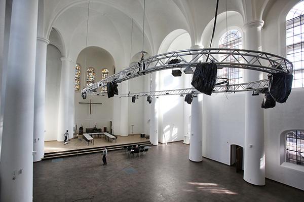 Der neu sanierte Innenraum der evangelischen Kreuzeskirche in der Essener Innenstadt (unsere Aufnahme entstand am 10. November 2014). Mit einem bundesweit einzigartigen Nutzungs- und Veranstaltungskonzept wird die Kreuzeskirche nach einjährigem Umbau am 2