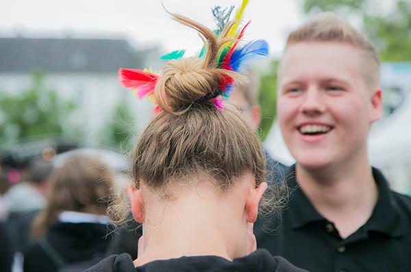 Federleicht, auf Engelsspuren, beglückend: Ein facettenreiches Jugendcamp 2014 zog rund 3.000 Jugendliche nach Siegburg.