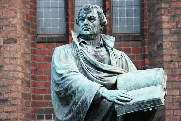 Allein die Heilige Schrift ist maßgeblich: Martin-Luther-Denkmal in Berlin.