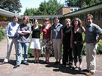 Zwei fehlen auf diesem Foto: die Gruppe aus Düsseldorf, die für drei Wochen nach Namibia reist.