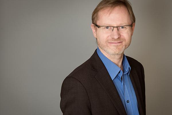 Dr. Frank Vogelsang ist Direktor der Evangelischen Akademie im Rheinland.